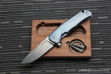 Cкладной нож Lion Steel T.R.E. (Three Rapid Exchange), Satin Blade, Blue Titanium Handles, Blue Accents